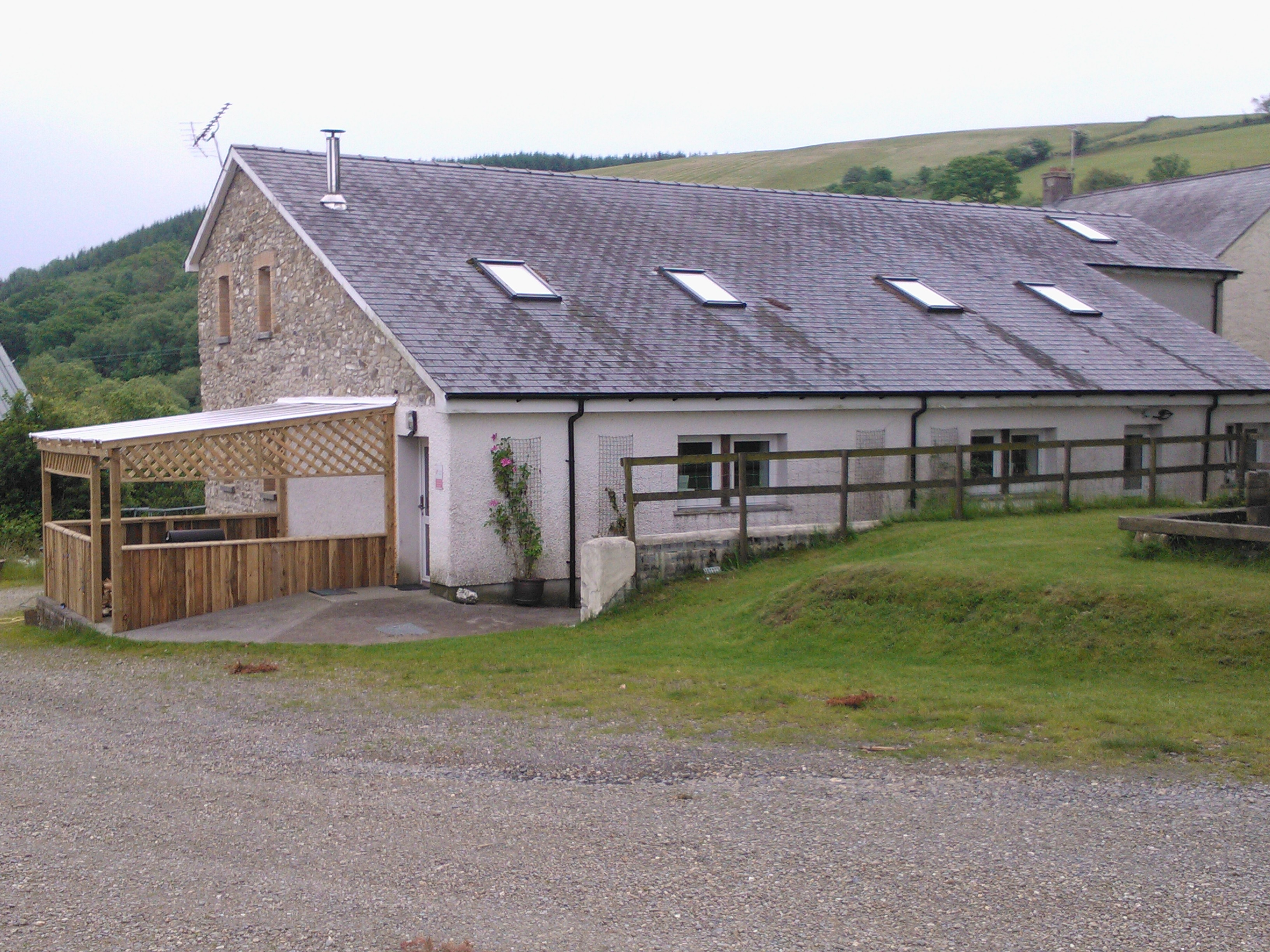 Gilfach Wen Barn - outside view of Brechfa Bunkhouse